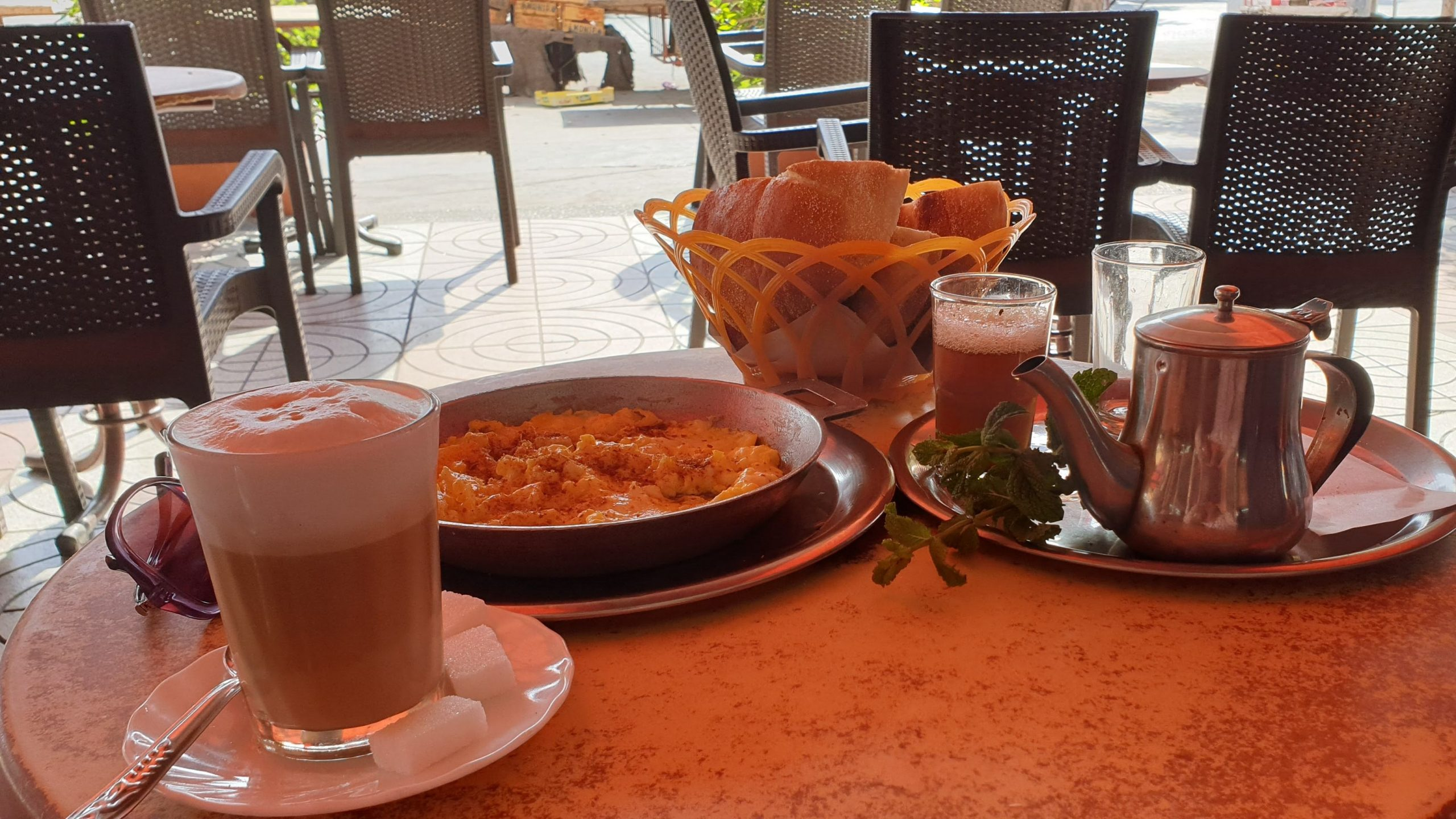 coffee-omelette-and-mint-tea-in-agadir