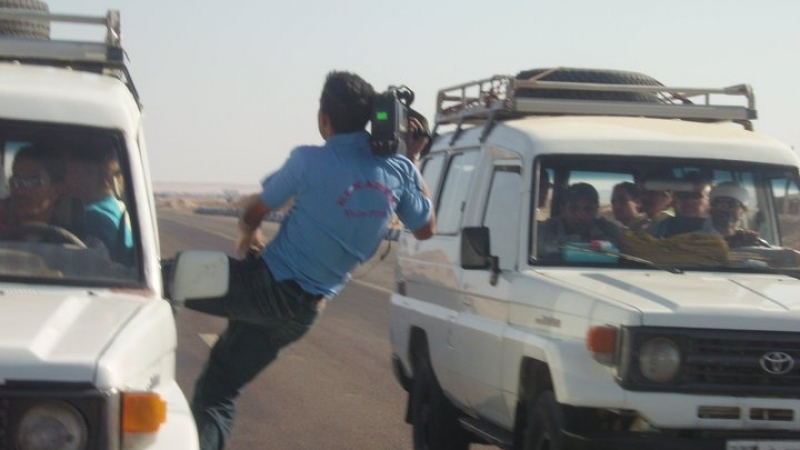 crazy-camera-men-jeep-filming